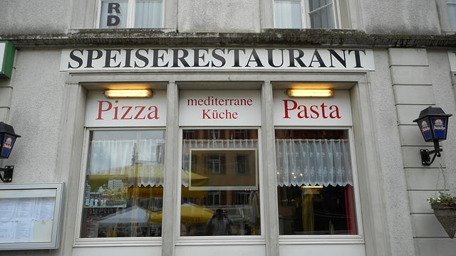 Video «Restaurant Klostergarten in Einsiedlen - Tag 2» abspielen