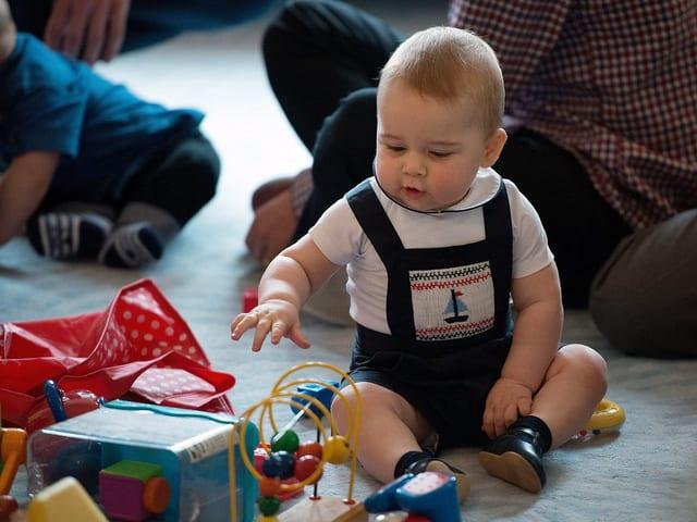 Baby George in einer Krabbelgruppe in Wellington.