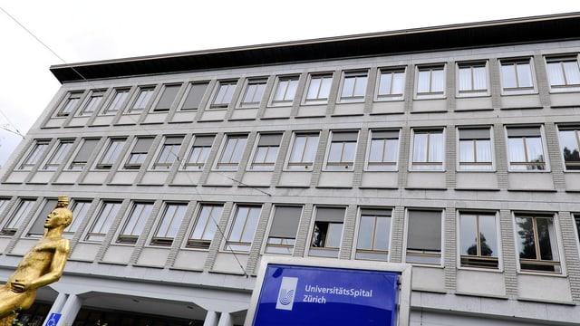 Unispital aussenansicht viele Fenster, grosses graues Gebäude