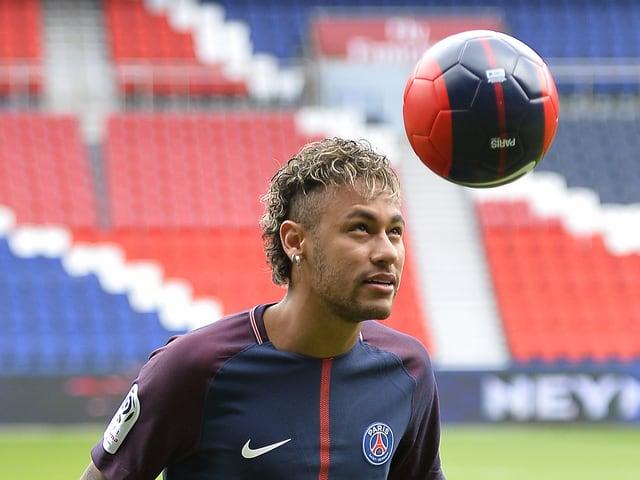 1. Neymar (222 Mio. €)