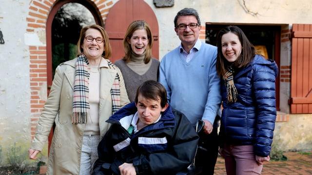 Video «Eine Familie kämpft – Leben mit einer unheimlichen Krankheit» abspielen