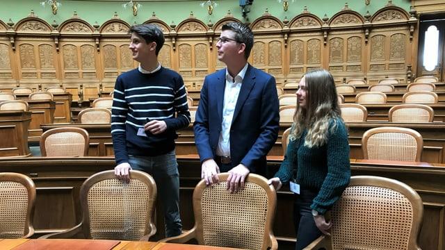 Im Bundeshaus: mit Nationalratsmitglied Mike Egger (SVP/SG) im Nationalratssaal