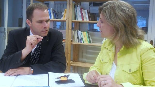 Geben Auskunft zum Wahlverfahren: CVP-Präsident Eric Menoud und die politische Sekretärin Gabrielle Bourgue.