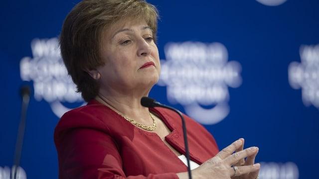 Frau am MK am WEF in Davos