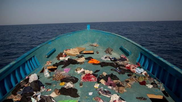 Zu sehen ist ein Flüchtlingsboot.