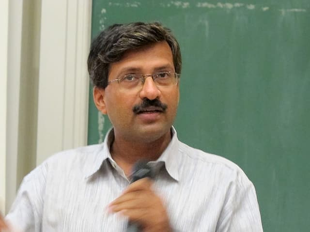 Dr. Yogesh Kulkarni, Leiter der Vigyan Ashram Schule in Pabal, Porträtfoto
