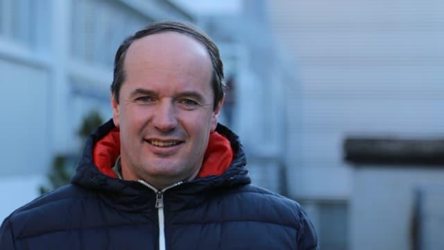 Purtret da Stefan Schmid, il president da Val s. Pieder