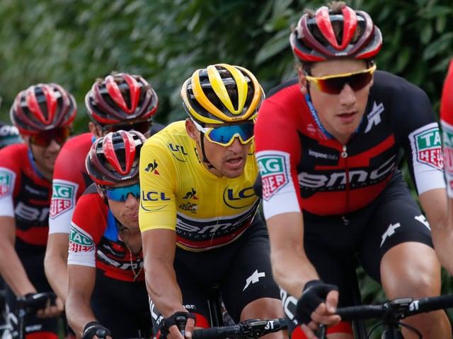 Das Team BMC angeführt vom Schweizer Stefan Küng.