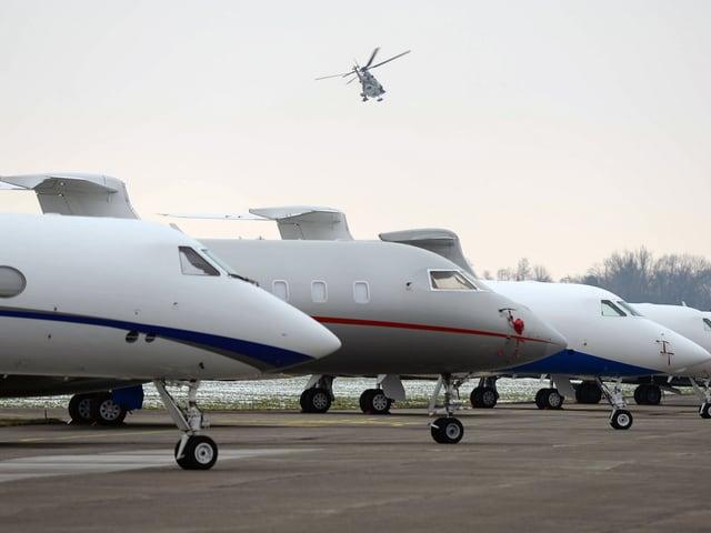 Business-Jets auf dem Flugplatz Dübendorf: In Zukunft soll das nicht mehr möglich sein, fordern Anwohner