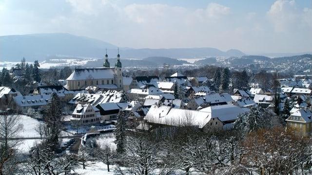 Blick auf das verschneite Arlesheim BL
