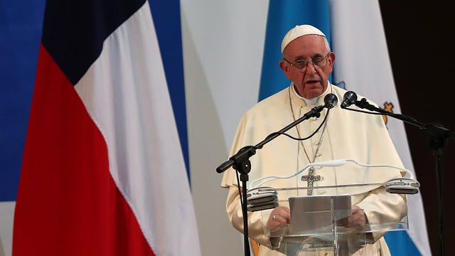 Beim Chile-Besuch stellte sich der Papst hinter den Klerus. Das änderte sich schon auf der Heimreise.