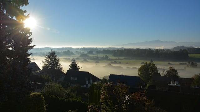 Nebelschwaden über dem Thurtal bei Zuzwil/SG.