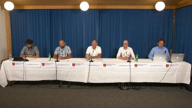 La vischnanca Albula/Alvra ed experts han infurmà davart la situaziun actuala.