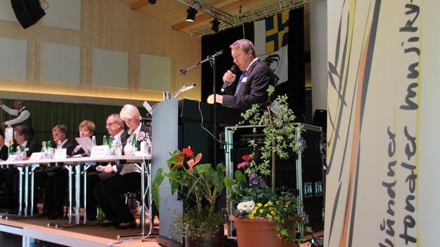 Il president da l'Uniun chantunala da musica Andy Kolleger.