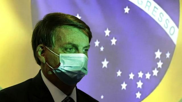 Brasiliens Präsident Jair Bolsonaro mit einer Schutzmaske.