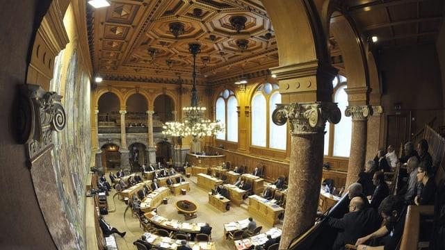 La sala dal Cussegl dals chantuns en la Chasa federala a Berna.
