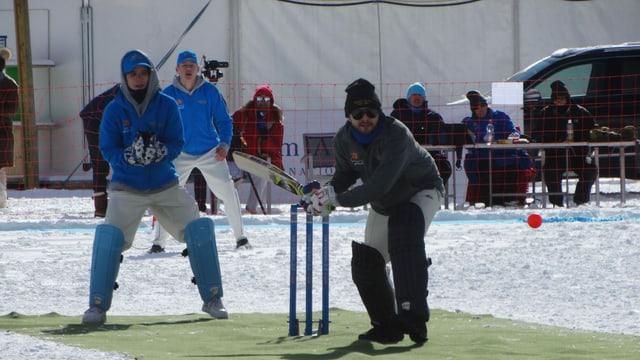 «Cricket on Ice» sin il lai da San Murezzan.