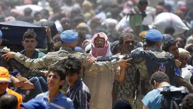 Flüchtlinge in Tal Abjad im Juni 2015.