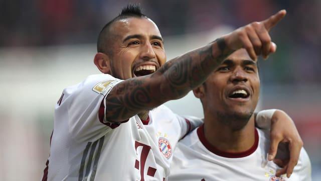 Arturo Vidal und seine Bayern ziehen in der Bundesliga davon.