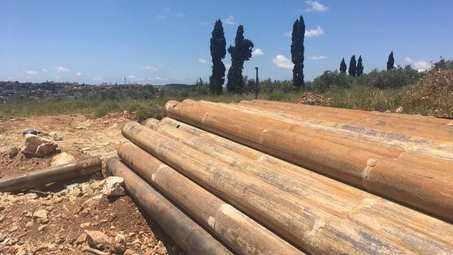 Rohre auf trockenem Land