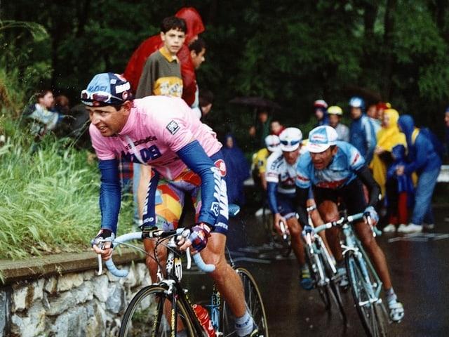 Tony Rominger gewann die Giro-Gesamtwertung 1995 mit über 4 Minuten Vorsprung.