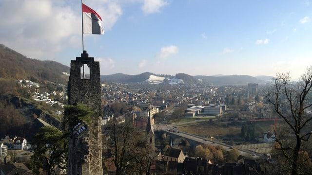 Ruine Stein in Baden mit Badener Flagge