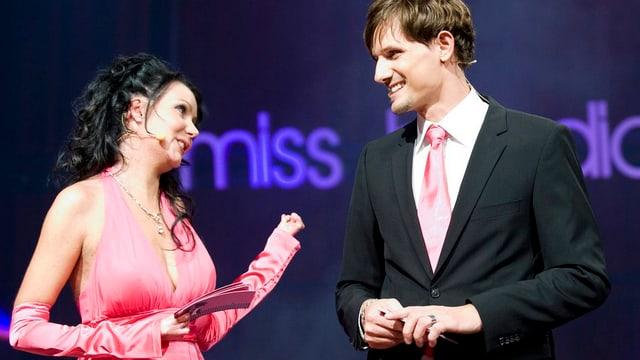 Michelle Zimmermann spricht mit Ex-Mister Schweiz Tim Wielandt.
