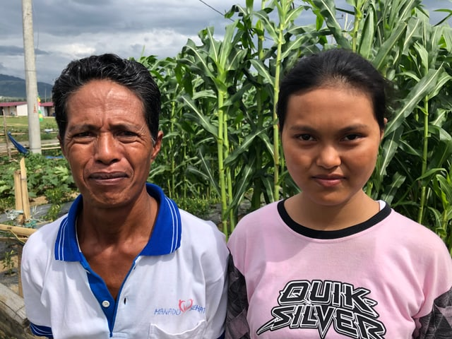 indonesisches Mädchen und ihr Vater