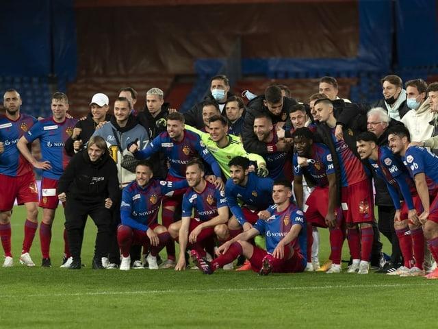 Mannschaft des FC Basel nach dem Spiel gegen den FC Zürich am 15. Mai 2021.