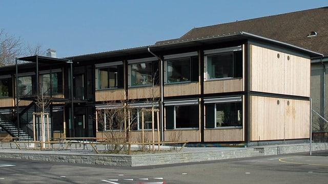 Zweistöckiger «Züri-Modular-Pavillon» in Zürich Wipkingen