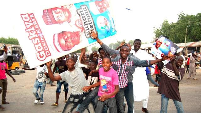 Mats ed umens tegnan placat dal president Buhari