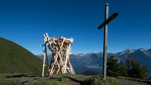 Ina acziun d'art en il liber il 2016 en Val Stussavgia.