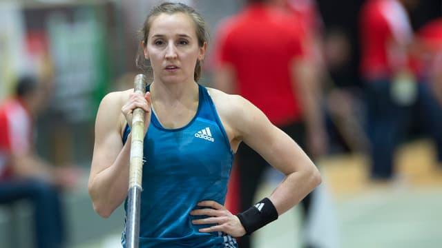 Nicole Büchler konzentriert sich auf ihren nächsten Sprung.