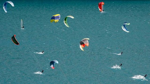 Kitesurfing sin il lai da Silvaplauna.