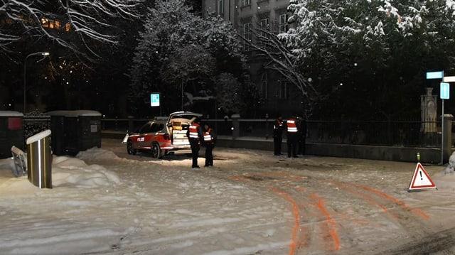 L'auto da polizia al lieu d'accident.
