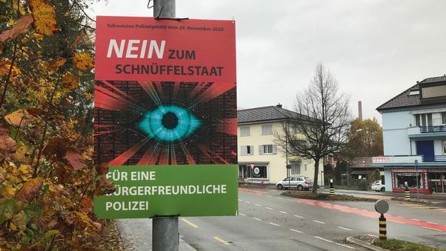 Plakat mit der Aufschrift Nein zum Schnüffelstaat
