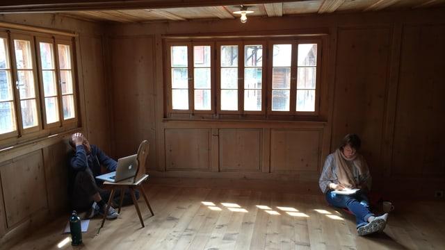 Concentraziun da scriver.