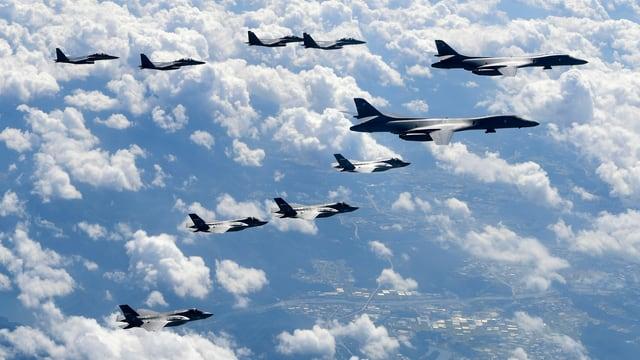 Formation von Kampfjets