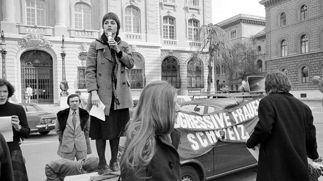 Zürcher Frauen demonstrieren 1975 für das Recht auf Abtreibung.