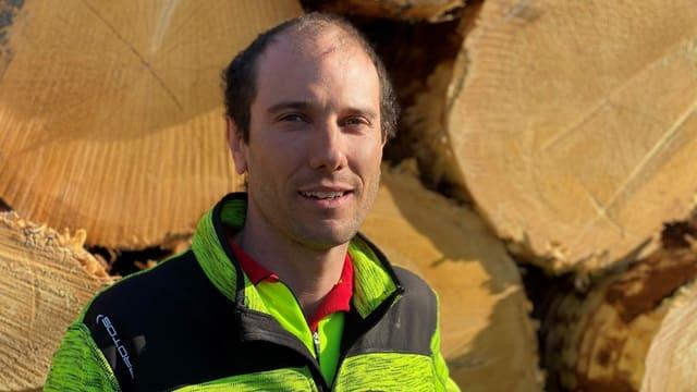 Pascal Murbach, il manader da l'Uffizi forestal Surses.