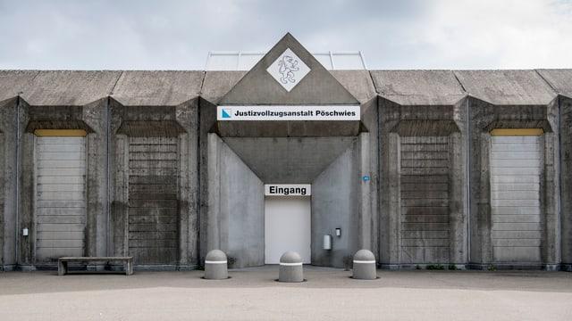 Strafastalt Pöschwies Eingang