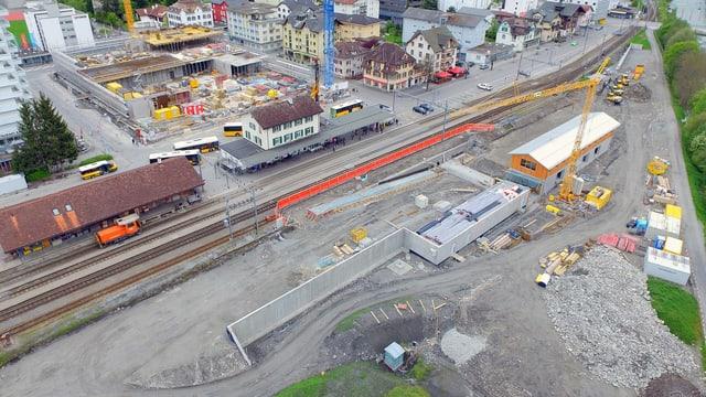 Luftaufnahme des Areals, Bauarbeiten im Gang.