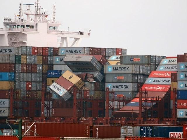 Umgekippte Container auf dem Schiff «MSC Zoe».