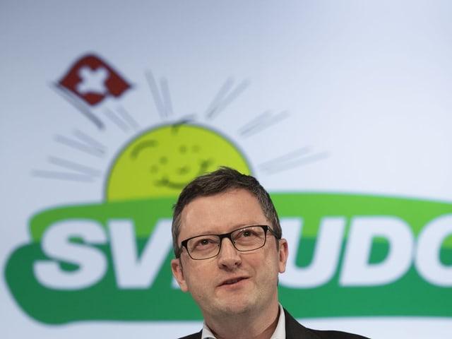 Der Nidwaldner Nationalrat Peter Keller an einer Parteiversammlung.