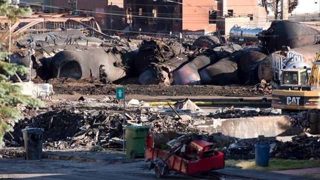 Ausgebrannte Waggons in der kanadischen Kleinstadt Lac-Mégantic.