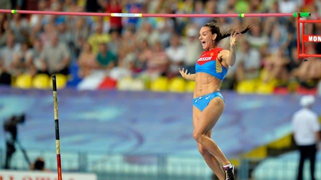 Mit ihrem Titel im Stabhochsprung versetzte Jelena Isinbajewa die Russen in Ekstase.