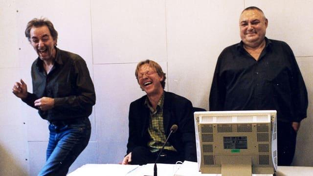 Ueli Jäggi, Fritz Zaugg und Mathias Gnädinger im Hörspielstudio.