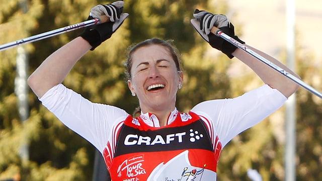 Erschöpft, aber siegreich - Justyna Kowalczyk gewinnt die Tour de Ski.