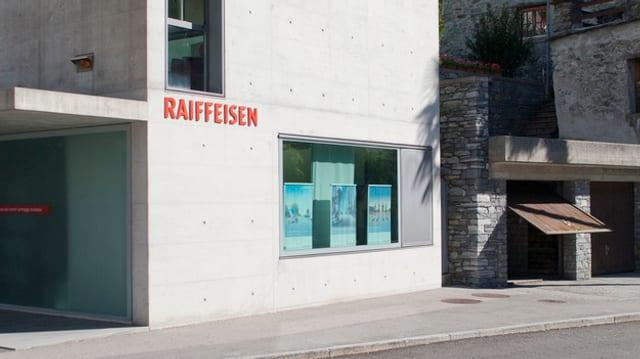 Purtret d'in logo da la Raiffeisen.