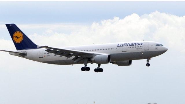 Eroplan da la Lufthansa.
